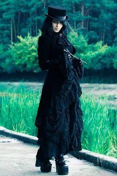 DieselSteamGypsy Dark Fashion, Gothic Fashion, Victorian Fashion, Victorian Dresses, Lolita Fashion, Emo Fashion, Gothic Mode, Gothic Lolita, Dark Beauty