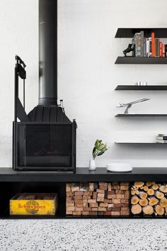York Street House by Cera Stribley Architects 2 Family Room Fireplace, Open Fireplace, Fireplace Design, Black Fireplace, Stove Fireplace, Street House, York Street, City Living, Living Spaces