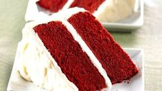This right here folks is the best red velvet cake I've ever eaten. Extra rich, extra tender Red Velvet Cake topped with fluffy cream frosting. I have tried many Red Velvet Cake recipes throughout t… Vanilla Cream Cheese Frosting, Cake With Cream Cheese, White Frosting, Frosting Recipes, Cake Recipes, Dessert Recipes, Milk Recipes, Asian Recipes, Cheese Recipes