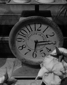 Der heutige Montagmorgen beginnt irgendwie skuril. Die Uhr auf dem Handy im Schlafzimmer zeigt kurz vor halb 5. Unser Körper hingegen gaukelt uns vor, es wäre Zeit endlich einmal aufzustehen. In de...