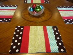 Cute Christmas Place-Mats: Perfect for sewing club night! You could even use different fabrics for a year-round look.