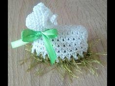 Slepičky lze zvětšit přidáním sloupků,jak šířky, tak do dél Crochet Fish, Crochet Bikini Pattern, Crochet Chart, Thread Crochet, Crochet Doilies, Crochet Christmas Decorations, Crochet Christmas Trees, Crochet Decoration, Xmas Bells