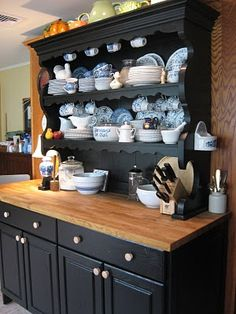 "That Old House: The ""Welsh Dresser"" Kitchen Makeover -- Done! Recycled Furniture, Furniture Projects, Furniture Makeover, Painted Furniture, Diy Furniture, Hutch Makeover, New Kitchen, Kitchen Decor, Welsh Dresser"