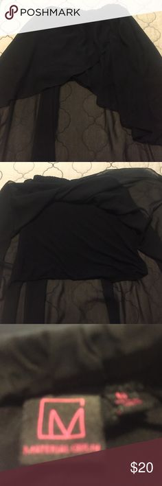 Skit Black skirt lite fabric nice for a afternoon good condition Material Girl Skirts High Low