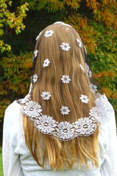 French Daisy Mantillas - Veils by Lily