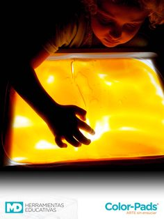 Experiencia Sensorial. Mesa Lumínica MD + Color Pads #SensoryPlay #Inspiration #Lighttable #design #Diseño #Kids #Educación