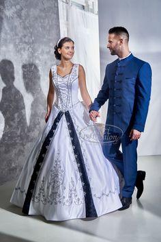 Kati Szalon - Esküvői ruhák magyaros stílusban széles választékban Wedding Dress, Wedding Day, Jeans Denim, Bridal Style, Groom, Dressing, Gowns, Bridal Fashion, Couples