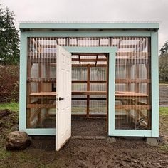 Lean To Greenhouse, Backyard Greenhouse, Greenhouse Ideas, Diy Mini Greenhouse, Wood Greenhouse Plans, Greenhouse Benches, Simple Greenhouse, Dream Garden, Garden Planning