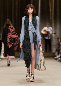 Having senses of Chole.  Burberry Prorsum Womenswear Autumn_Winter 2014 - Look 30