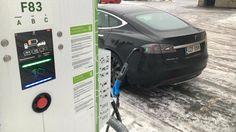 IS Teslan huippumallin ratissa: Tältä tuntui viikko jatkojohdon varassa Office Phone, Landline Phone, Electronics, Consumer Electronics