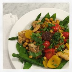 Chicken chickpea stirfry Chicken Chickpea, Stir Fry, Fitness Tips, Recovery, Dinners, Clean Eating, Weight Loss, Workout, Recipes