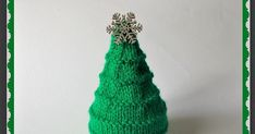 Simple stylish knitting & crochet patterns from a popular independent designer. Orange Christmas Tree, Christmas Tree Pattern, Christmas Knitting Patterns, Christmas Makes, Christmas Stuff, Christmas 2017, Beginner Knitting Patterns, Knitting For Beginners, Free Knitting