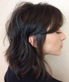 Medium Messy Hairstyle With Bangs Lob Haircut With Bangs, Side Bangs Hairstyles, Mullet Hairstyle, Diy Hairstyles, Medium Hairstyles, Messy Bangs, Long Bangs, Textured Hairstyles, Long Shag Hairstyles