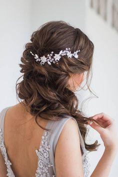 Pelo vid tocado de novia boda pelo accesorio floral nupcial #weddinghairstyles