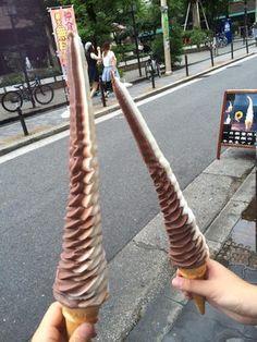 【大阪観光】アメリカ村で行くべき話題のスポット10選 - NAVER まとめ アメ村のロングソフトクリーム