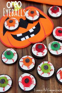Oreo Eyeball Treat – Best Cheap Easy & Fast Halloween Party Snack Food For Kid - Homemade Ideas (3)