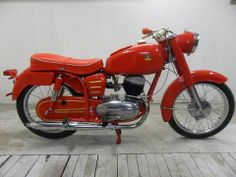 Yamaha YDS-5E | Pannonia T7 Antique Motorcycles, Yamaha Motorcycles, Cars And Motorcycles, Scooters, Classic Bikes, Cool Bikes, Motorbikes, Harley Davidson, Bicycle