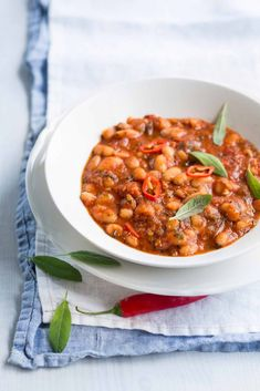 Salty Foods, Ratatouille, Chana Masala, Chili, Healthy Recipes, Healthy Food, Beans, Food And Drink, Soup