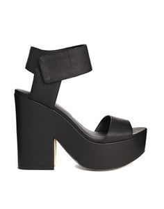 New Look Tessy Platform Heeled Sandals #ashleniqapproved