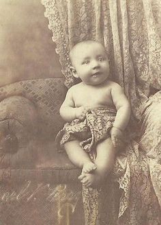 CABINET PHOTO ADORABLE CHUBBY LITTLE VICTORIAN BABY BOY NAKED ON SOFA ROCHESTER