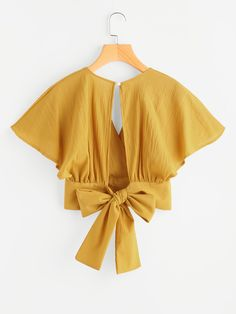 Deep V-cut Keyhole Back Bow Tie Blouse -SheIn(Sheinside)Yellow Plain Collar V Neck Bow Sleeve Length Short Sleeve,Blouse col en V avec un trou et nœud papillon -French RomweDesigner Clothes, Shoes & Bags for WomenFashion Tips To Fit All Style Prefer Hijab Fashion, Fashion Clothes, Fashion Outfits, Womens Fashion, Moda Fashion, Bow Tie Blouse, Crop Blouse, Tie Bow, Blouse Styles
