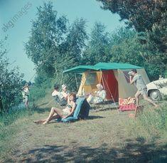 Camping / East Germany / 1962 — akg-images / Günter Rubitzsch