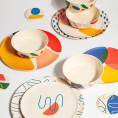 Ceramic Plates, Ceramic Pottery, Pottery Art, Painted Pottery, Paint Your Own Pottery, Painted Plates, Pottery Plates, Hand Painted Ceramics, Dinner Plate Sets