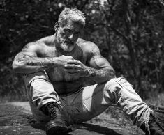 Post with 7586 votes and 211811 views. Shared by kokorobrokoro. Rare pictures of the magestic silverfox in his natural habitat. What an amazing creature. Scruffy Men, Hairy Men, Bearded Men, Anthony Varrecchia, Silver Foxes Men, Men Over 50, Mustache Men, Beard Tattoo, Raining Men