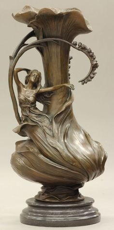 """art nouveau"" Love this Would look Excellent with Long stemmed Tulips and Roses Mixed in Baby's Breath...                                                                                                                                                      More"