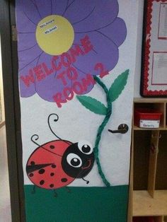 Continue Reading More Samples Ladybug Classroom Door Decorations To Inspiring Designers. Preschool Door Decorations, Teacher Classroom Decorations, School Decorations, Classroom Themes, Classroom Design, Apple Theme Classroom, Classroom Walls, Ladybug Bulletin Boards, Classroom Pictures
