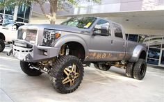 Dont really like doolies but this'll do sema-2013-monday-truckin-trucks-outside-018-lifted-ford-f350-dually.jpg (799×499)