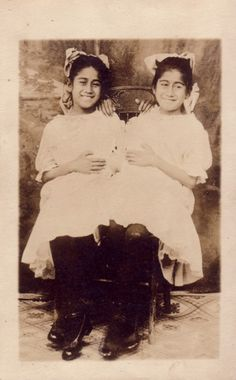 teratology on Pinterest | Conjoined Twins, Sideshow and ...
