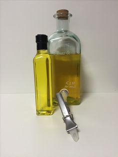 Das Erdnussöl ist das aus den geschälten Samen von Arachis hypogaea L. gewonnene, raffinierte, fette Öl. Der nussig milde Geschmack harmoniert besonders mit frischen Salaten, asiatischen Gemüse- oder Fleischgerichten oder einfach pur genossen - auf Brot. Garbe: gelb