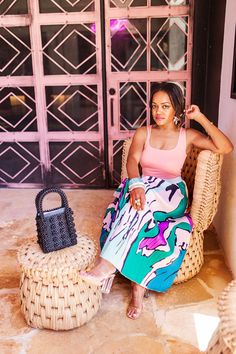 Summer Vacation Outfit Ideas: The Must Have Multicolor Midi Skirt! Best Summer Vacations, Summer Vacation Outfits, Simple Shoes, Trendy Girl, Beaded Bags, Love Is Free, Summer Looks, Stylish Outfits, Summer Time