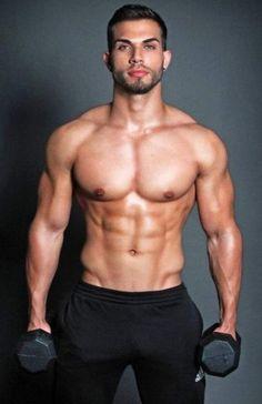 Darian Álvarez, Honduran football player and model - http://dumbbellsforsale.org