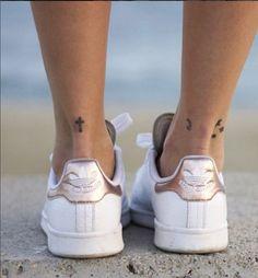 Cute Tattoos, Leg Tattoos, Body Art Tattoos, Tatoos, Chic Tattoo, Tattoo Shop, Piercings, Special Tattoos, Adidas Stan Smith
