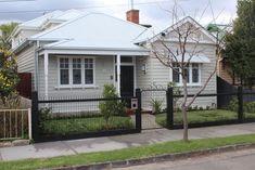 Bungalow Renovation, Bungalow Exterior, Cottage Exterior, Exterior House Colors, Facade House, House Facades, House Exteriors, Colonial Cottage, Weatherboard House