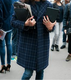 i'm not a big fan of trendy patterns, but plaid is an exception! love the combination of the colour and pattern here!