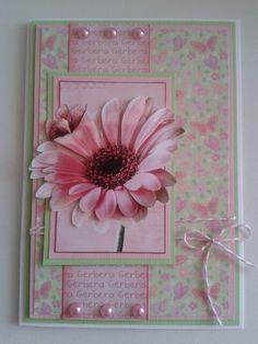 Kaart met roze gerbera...