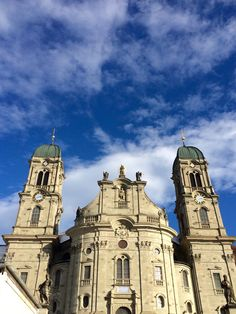 Kloster Einsiedeln in Einsiedeln, Schwyz Four Square, Notre Dame, Places Ive Been, Catholic, Europe, Building, Pictures, Travel, School