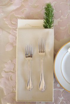 connect.the.dots designed event. simple table setting with rosemary.