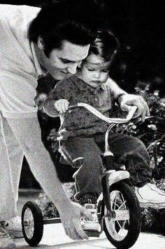 Elvis Presley with his daughter Lisa Marie.