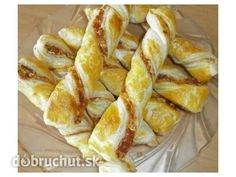 Silvestrovské pizza tyčinky Snack Recipes, Dessert Recipes, Cooking Recipes, Desserts, Party Food And Drinks, Quick Bread, Pizza, Finger Foods, Nutella