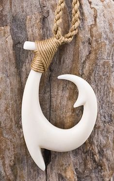 Pacific Island Maori Hawaiian Fish Hook Necklace Represents safe journeys, prosperity and good luck. Fish Hook Necklace, Nerd Crafts, Zac Brown Band, Bone Jewelry, Wood Carving Patterns, Wooden Jewelry, Wooden Necklace, Bone Carving, Wooden Puzzles