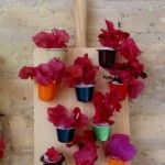 Mini jardín vertical decorativo reciclando cápsulas de café