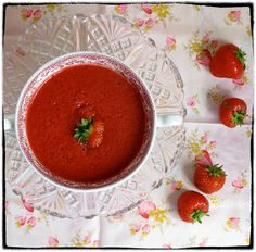 MsMarmiteLover: Strawberry and Hibiscus soup