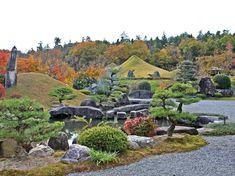 深まる秋の仙石庭園 さまざまな色と美しい日本庭園が見れる絶好のポイントがここ!です #仙石庭園 #日本庭園 #庭園 #石庭 #東広島 #パワースポット #パワーストーン #広島 #sensekiteien #hiroshima #japanesegarden #japaneserockgarden #rock #garden #powerstone #powerspot #higashihiroshima #紅葉 #美しい石 #秋 #今日の1枚 #松 #剪定 #借景 #紅葉狩り #幻想庭園 #幻想