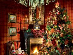bright color christmas decorations | Christmas decorating ideas, red-green living room decorating ...