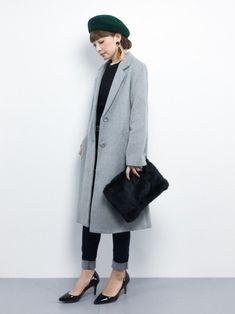 今季も人気のロング丈。Sサイズ女子にとってはハードルが高そうですが、少しの工夫で旬のこなれ感を出せます。そんなSサイズ女子のためのロングコートの着こなし術をご紹介します。