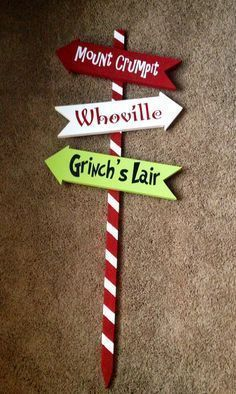 Celebrate Christmas in Grinch style. Here are best Grinch Christmas Party ideas. From Grinch Christmas decor to Grinch themed Christmas recipes are here. Grinch Christmas Party, Grinch Party, Christmas Signs, Christmas Themes, Winter Christmas, Christmas Crafts, Diy Christmas Decorations For Home, Christmas Yard Art, Thanksgiving Holiday